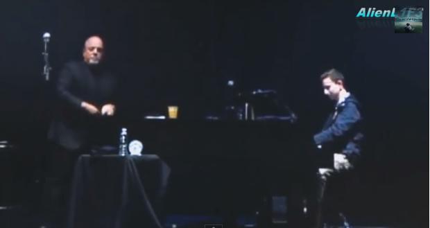 빌리 조엘과 청중의 즉석 연주 'New York State Of Mind'